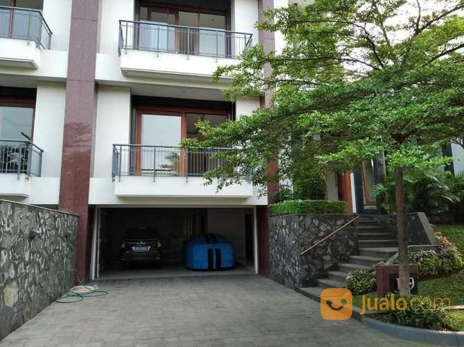Rumah Baru Cantik Private Swimming Pool Ampera Kemang Jakarta Selatan (26413179) di Kota Jakarta Selatan