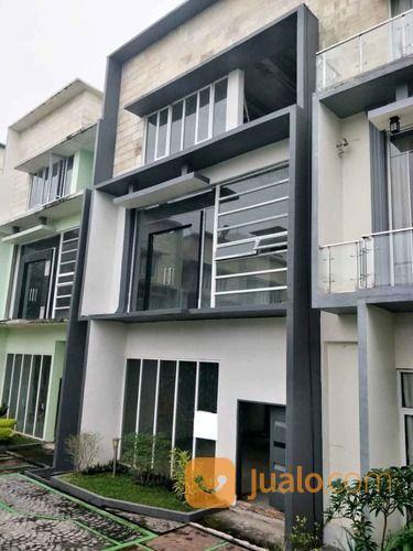 Rumah Komplek Platinum Garden Jalan Brigjend Katamso Medan 1 Medan Jualo