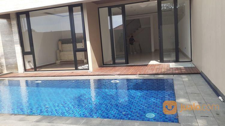Rumah Ready Dengan Kolam Renang Di Warung Buncit (26423583) di Kota Jakarta Selatan