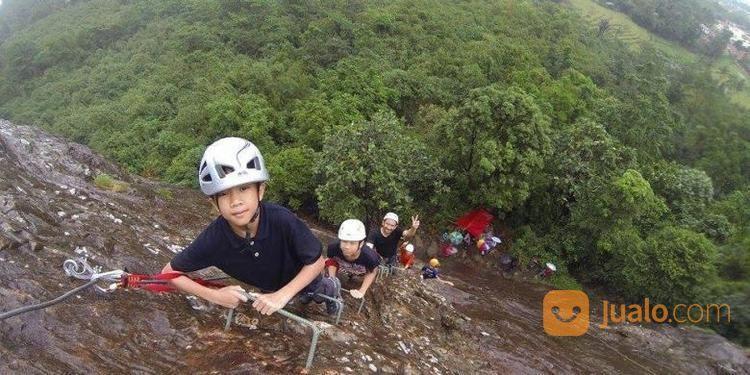 Open Trip Gunung Parang Purwakarta 2 Hari 1 Malam 2020 (27407439) di Kab. Karawang