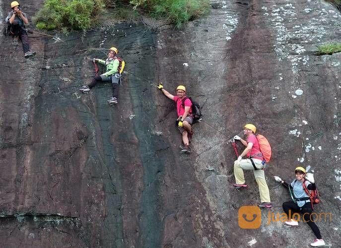 Open Trip Gunung Parang Purwakarta 1 Hari Sky Cave 2020 (27407491) di Kab. Karawang