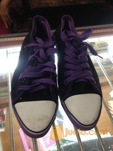 Sepatu Corverse
