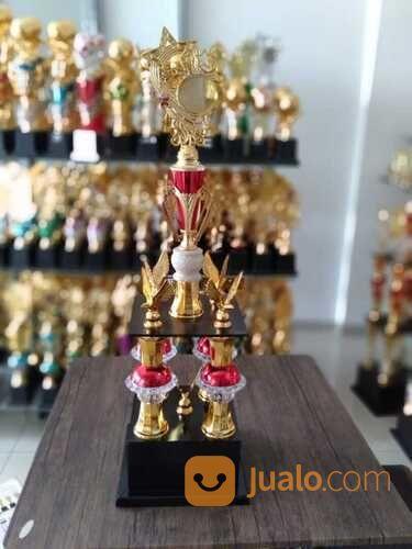 Piala Kaki Empat Ekonomis (28989452) di Kota Bandung