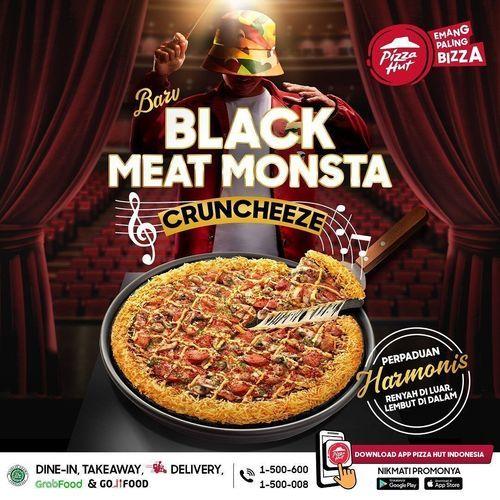 Pizza Hut NOW CRUNCHING: Black Meat Monsta dengan Cruncheeze! (29609668) di Kota Jakarta Selatan