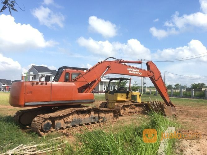 Excavator Tipe S220CC-V Merek Dosan Tahun 2005 (30396245) di Kab. Banyuasin