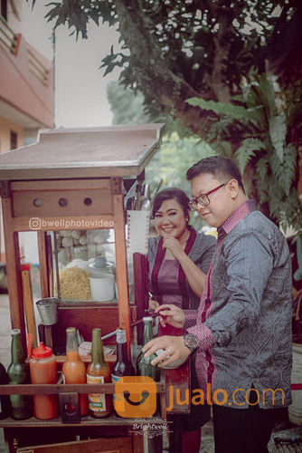 Jasa Foto Video Wedding Prewed Lamaran Tunangan Siraman 7 Bulanan Jabodetabek (30552767) di Kota Jakarta Selatan