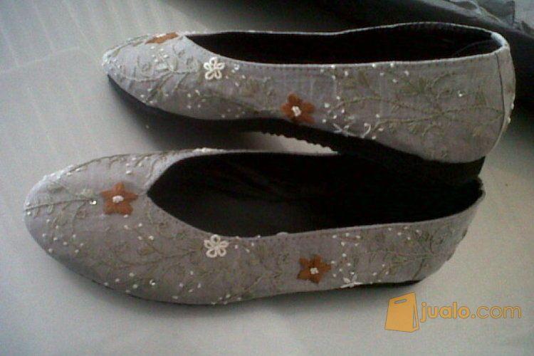 Sepatu Flat Sulam Bunga Cantik Jakarta Timur Jualo