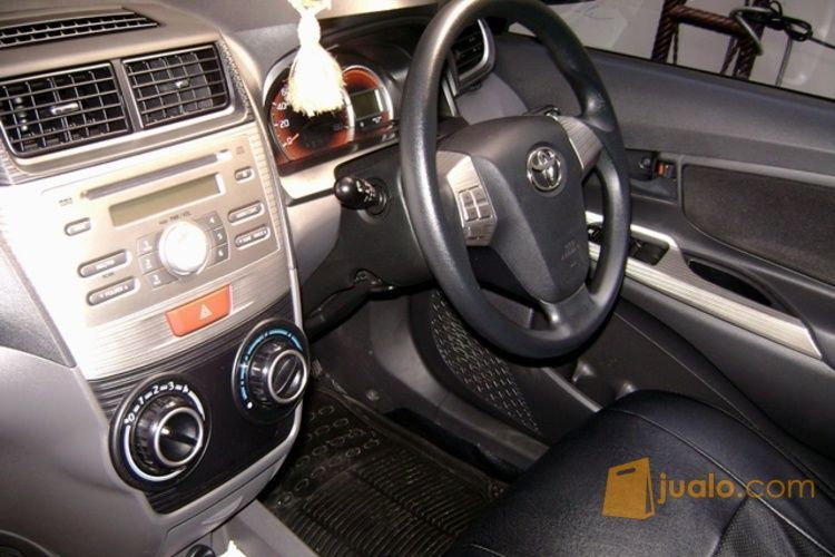 Toyota New Veloz 1.5 MT Tahun 2014 - Kondisi Istimewa (4062831) di Kota Mataram