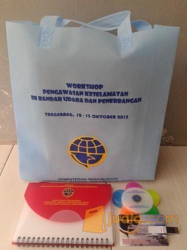 Sedia Merchandise Promosi dan Souvenir Perusahaan (4841583) di Kota Tangerang
