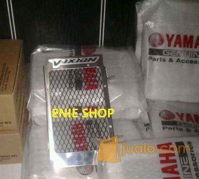 COVER RADIATOR VIXION YAMAHA ORIGINAL (5705805) di Kota Jakarta Barat