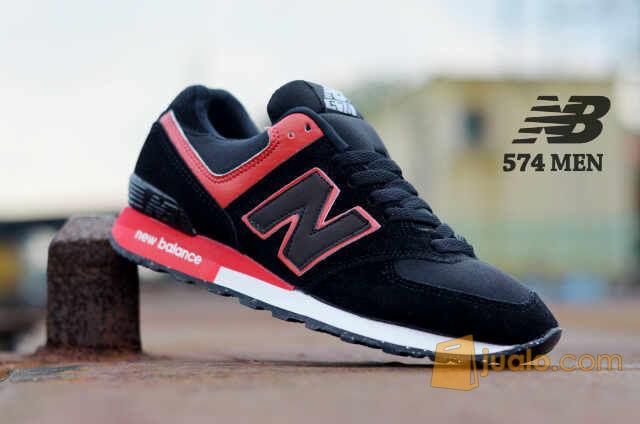 sepatu sneakers casual keren gaya main kuliah sekolah new balance 574 (5718151) di Kab. Bandung