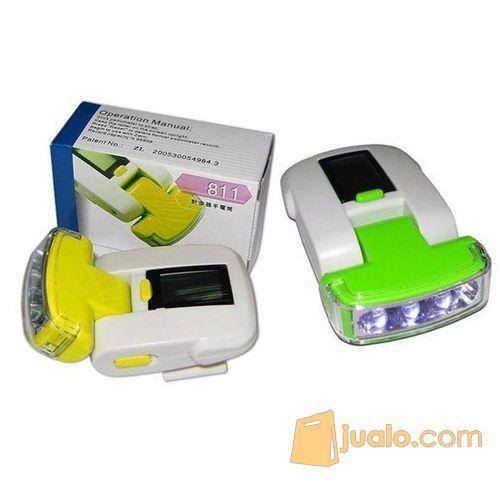 LED Flashlight Pedometer / Alat Penghitung Jarak Tempuh - White/Green (5871877) di Kota Bogor