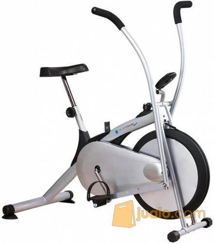 Sepeda Statis Platinum Bike Alat Olahraga Fitness Bersepeda Di Rumah