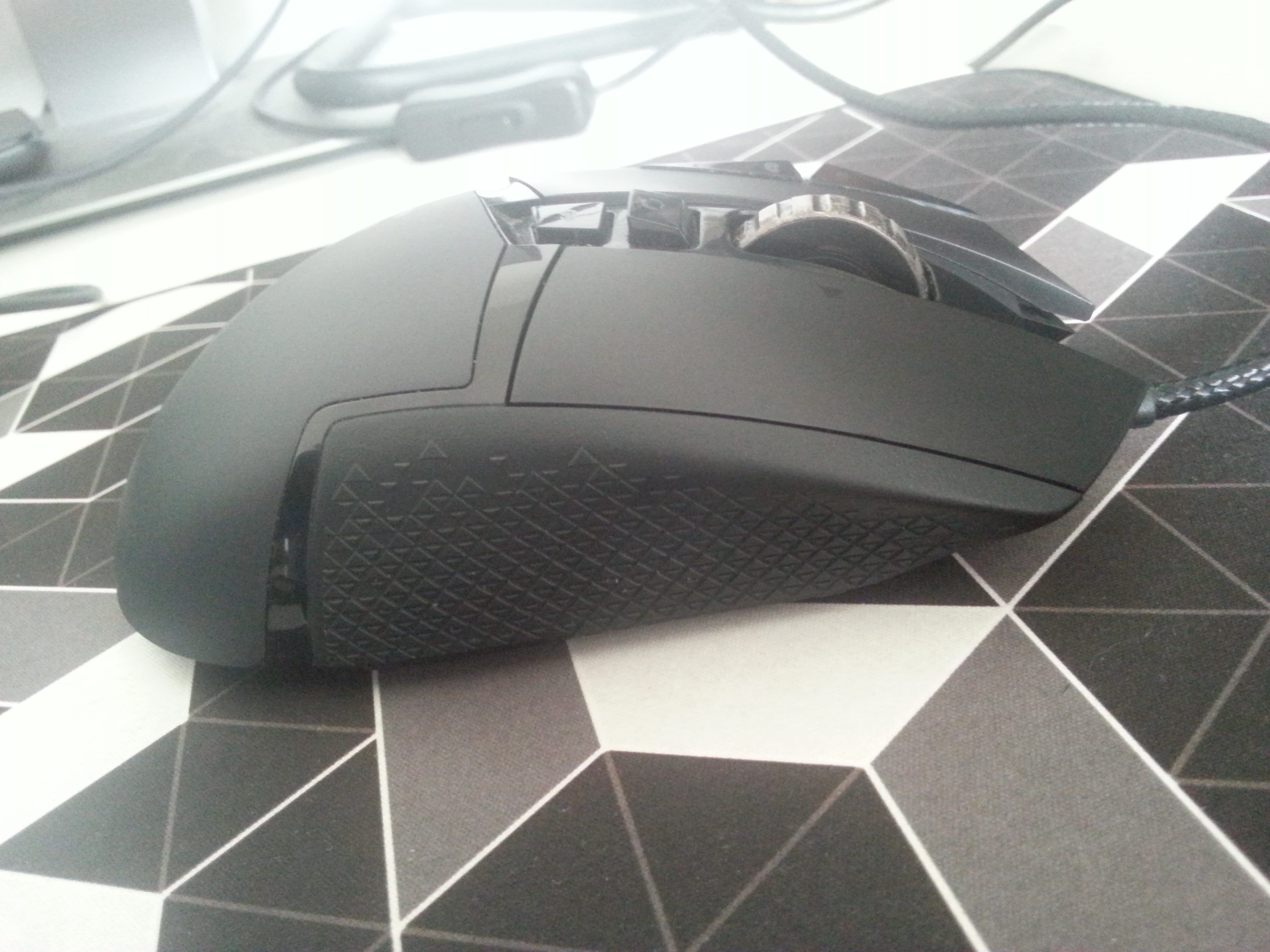 Logitech G502 Right Side