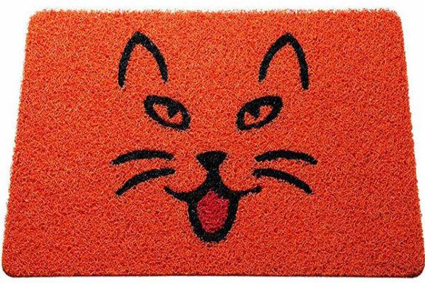 tapete vermelho gato