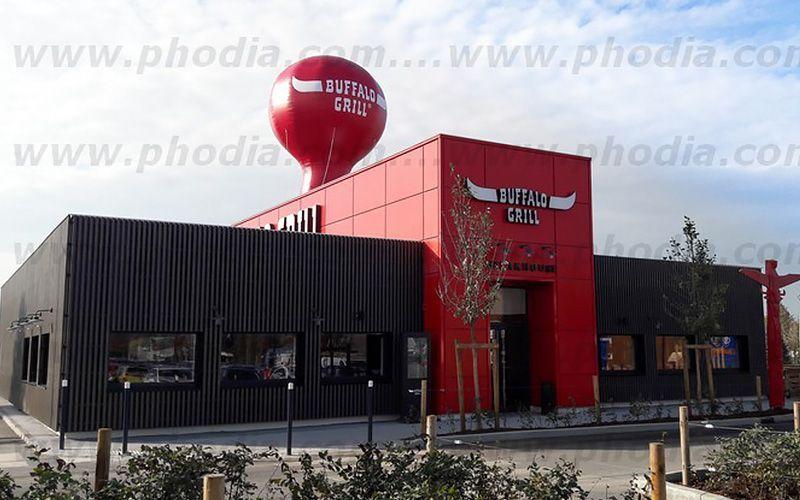 montgolfiere-publicitaire-sur-toit-restaurant-buffalo
