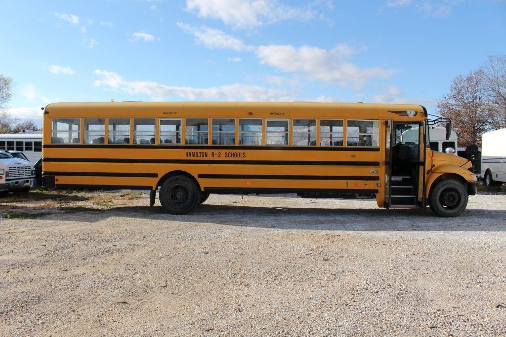 2005 International CE200 School Bus