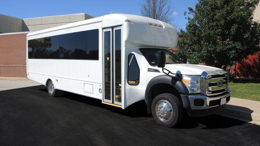 2015 Ford Starcraft 30 Passenger Signature Series Bus