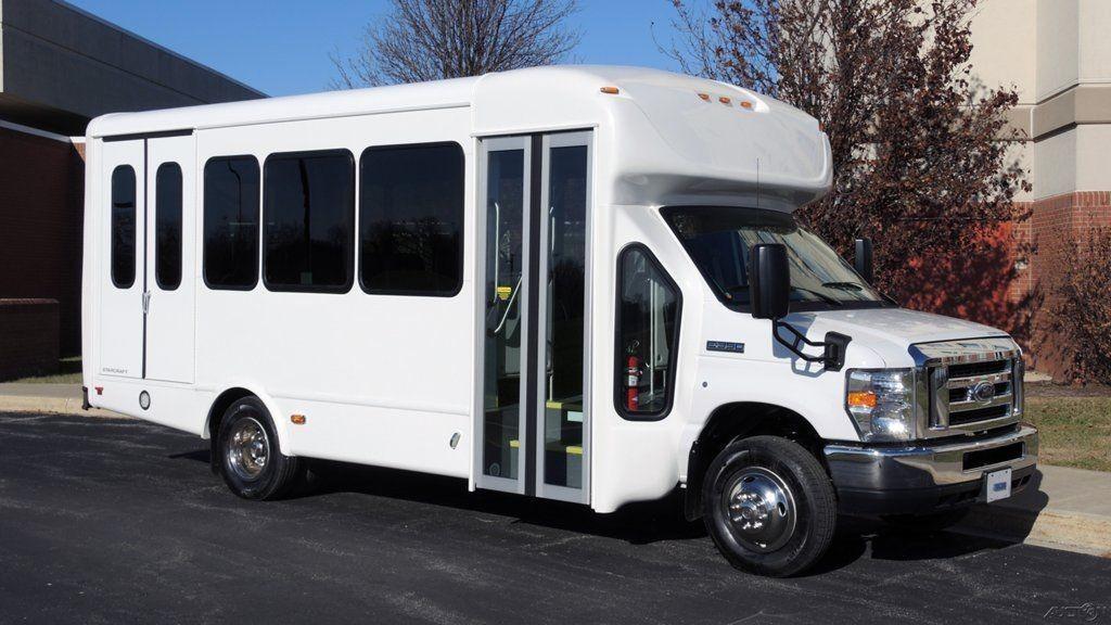 2016 Ford Starcraft 12 Passenger+2 Wheelchair Spaces Bus
