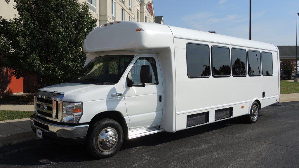 2016 Ford Starcraft 28 Passenger Bus