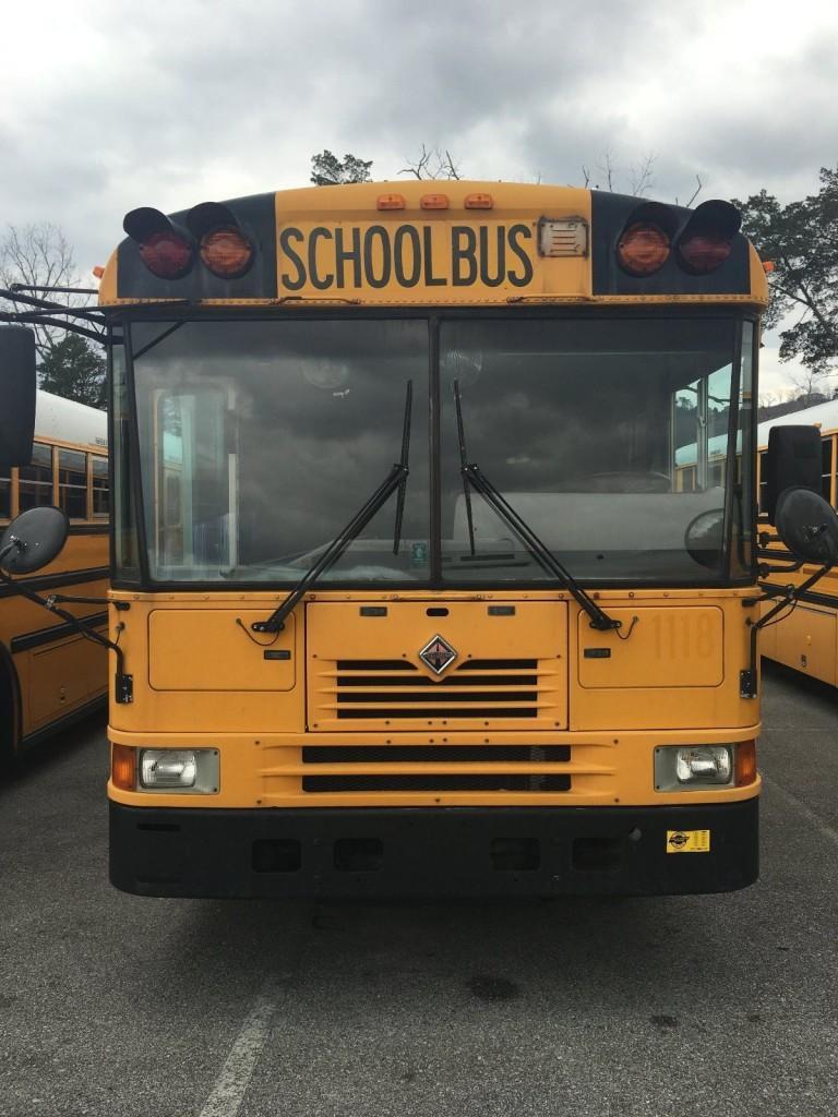 2001 International FE School Bus