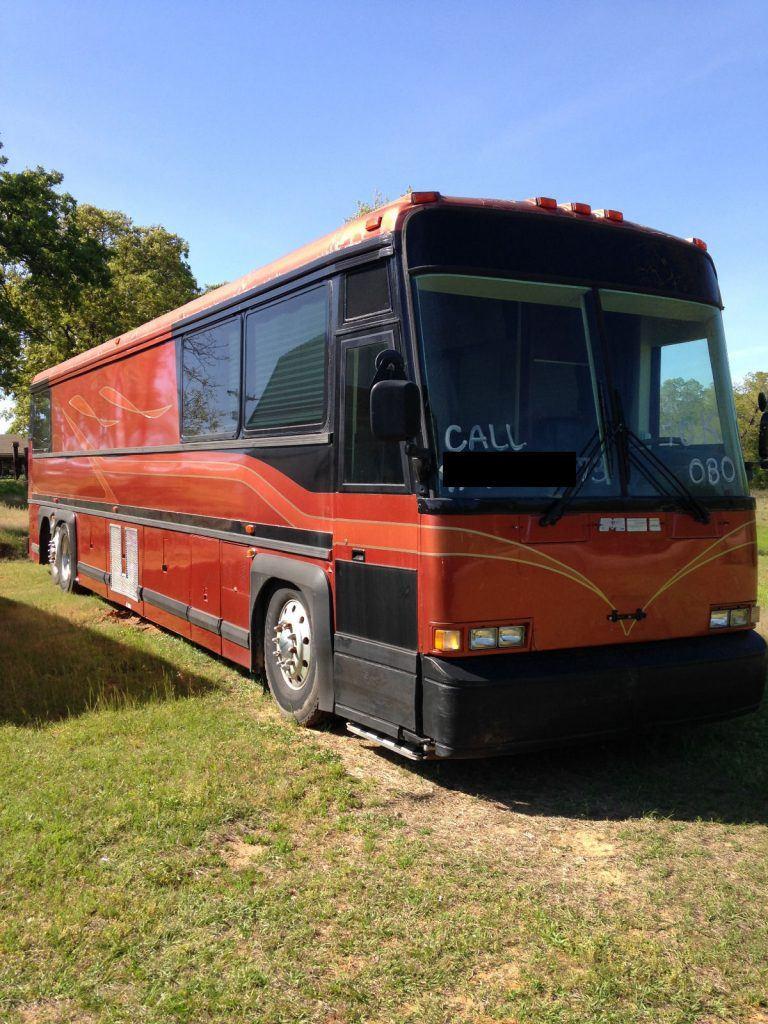 1990 Shell MCI 9 Bunk Entertainer Coach Tour Bus