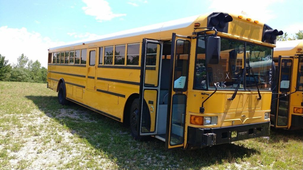 1999 International RE3000 Bus with only 117k miles