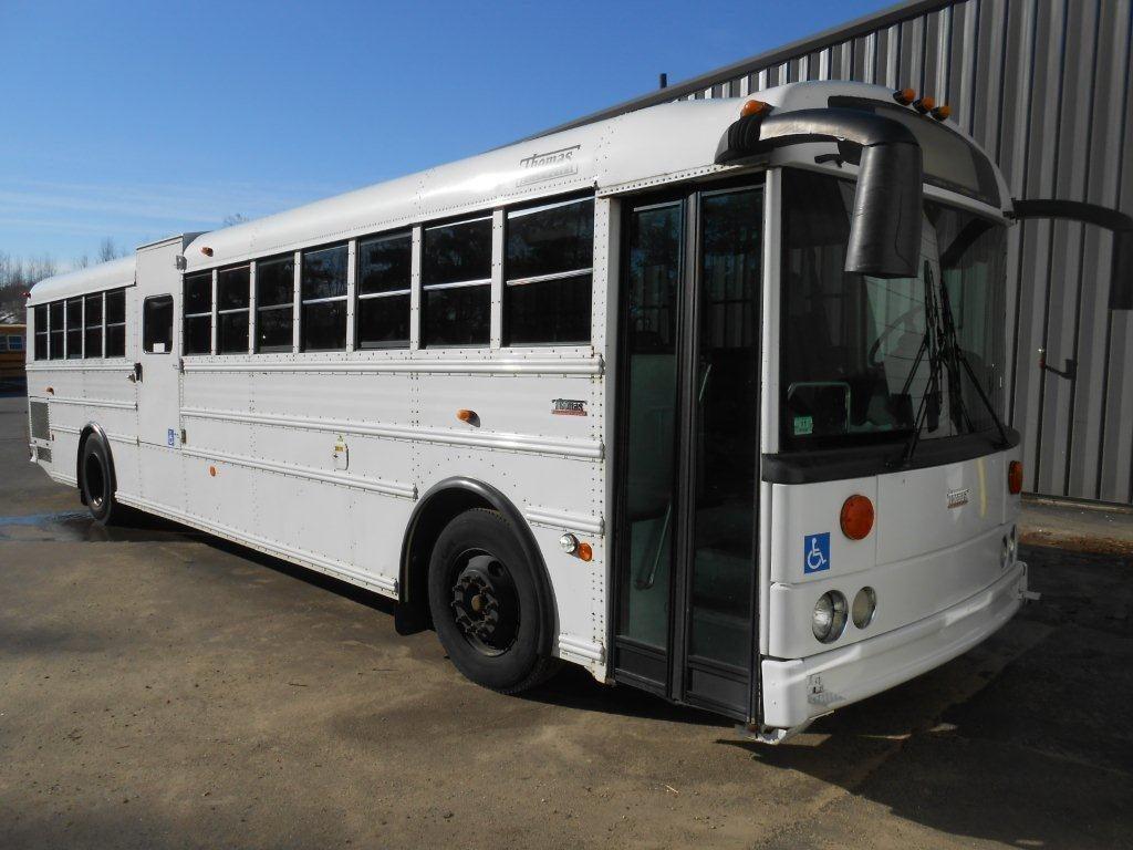 2005 Thomas HDX RE Activity Bus