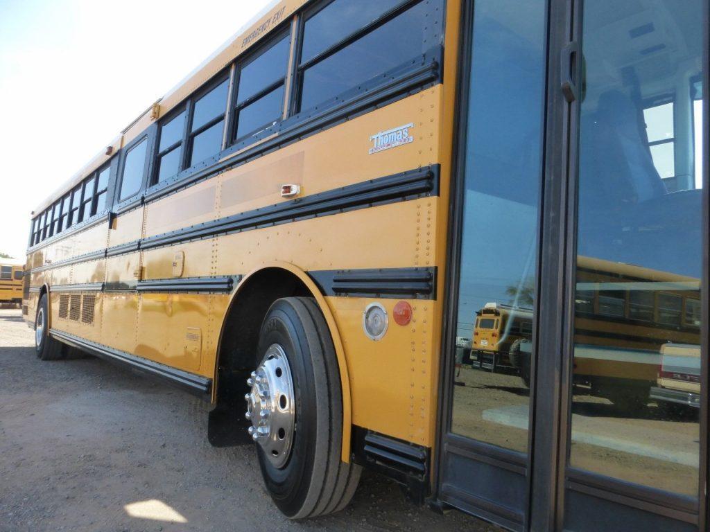 2003 THOMAS 90 PASSENGER SCHOOL BUS