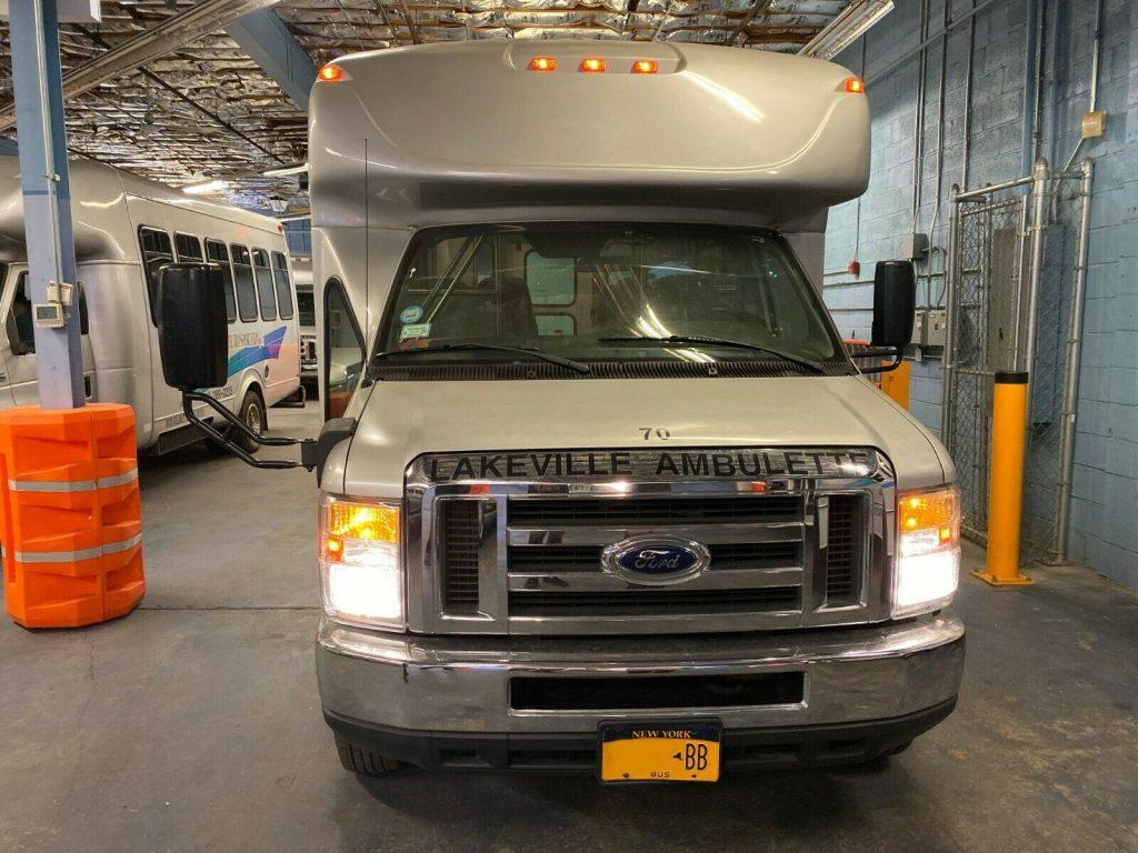 2012 Ford E450 Starcraft Wheelchair Bus Senior & Adult Handicap & Mobility Transport