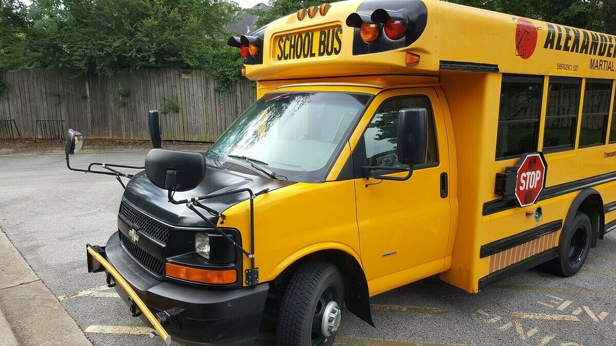2009 GMC Mini Bus with 6.6L Turbo Diesel for sale