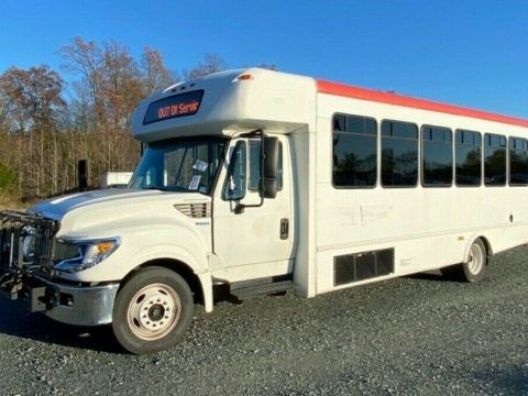 2013 International Starcraft 30 Passenger Shuttle Bus for sale