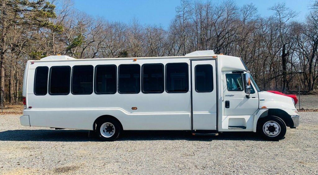 2011 International 4300 Krystal Coach 28 Passenger Tour Bus, ONLY 5K Miles NEW!!!