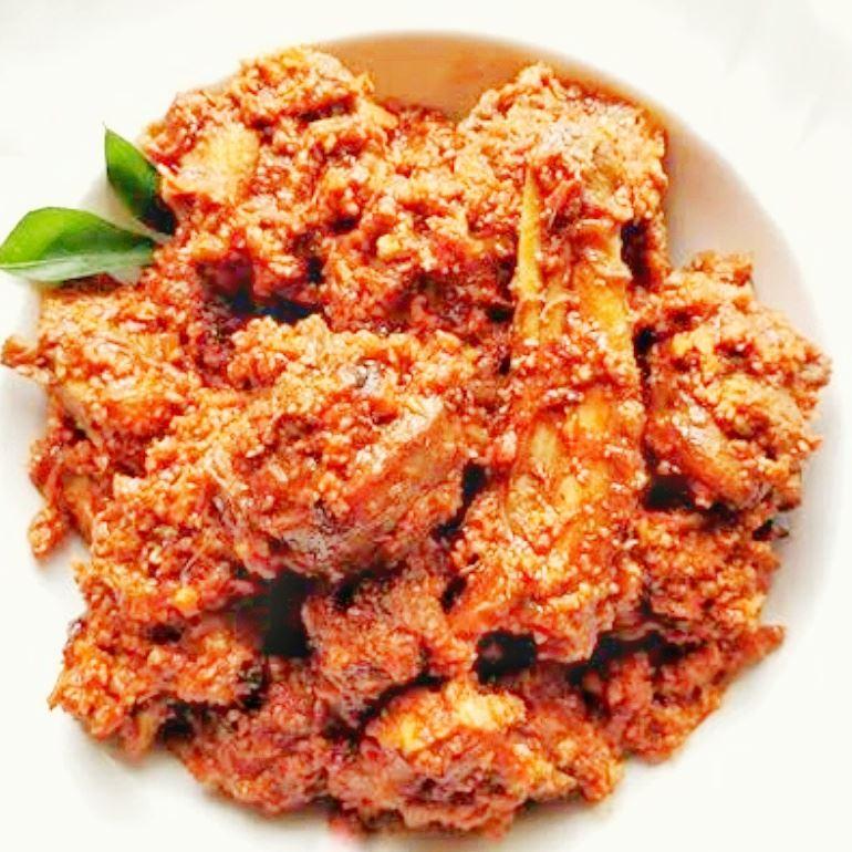 Mangalorean Chicken Sukka (Kori Aajadina)