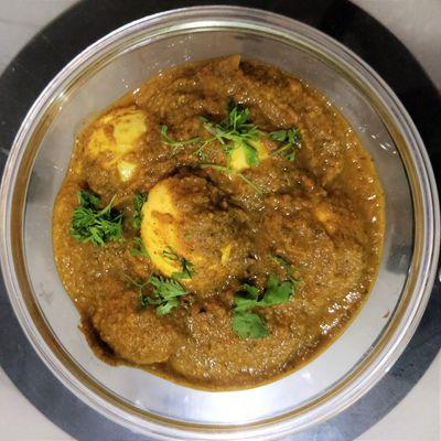 Spicy Restaurant Style Egg Masala