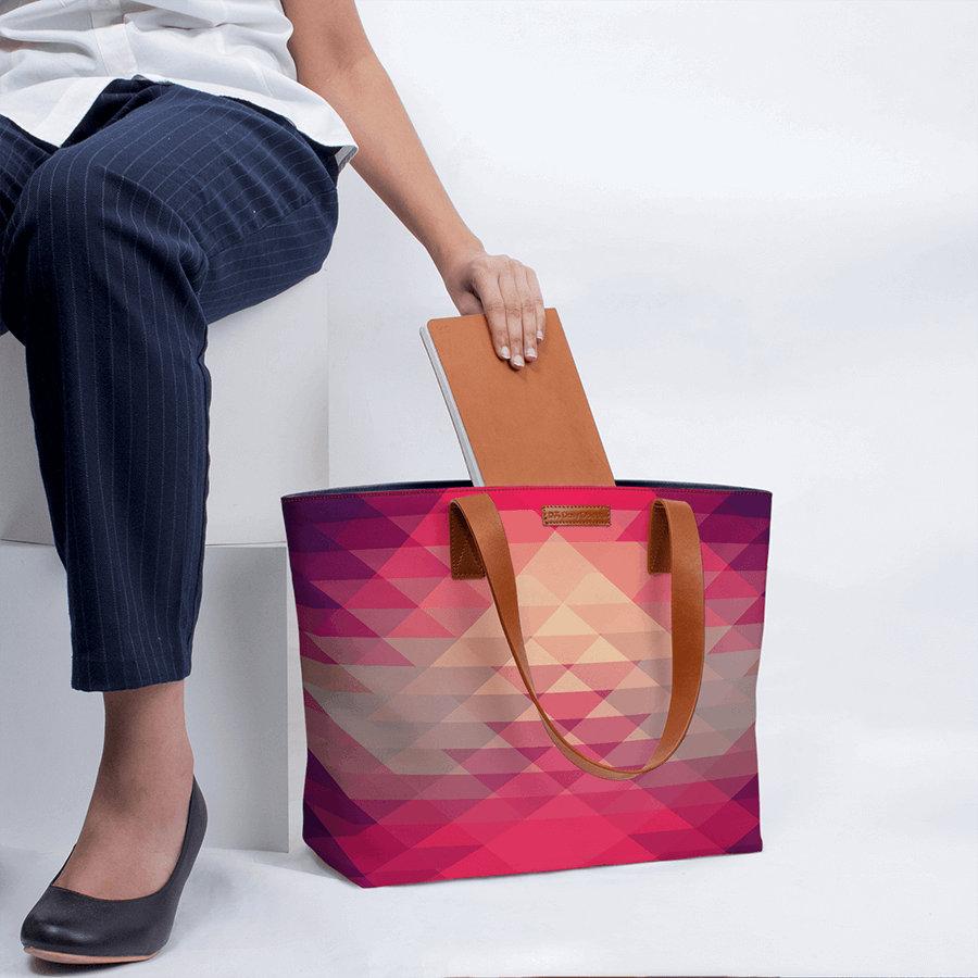 db6b1e7e6f3 DailyObjects Abstract Illusion Fatty Tote Bag
