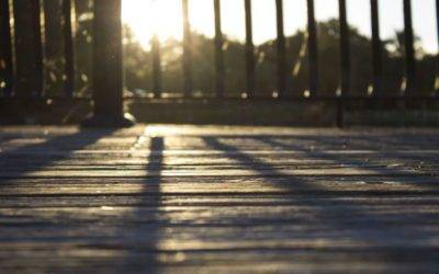 SHOULD YOU RESTORE A DECK ON YOUR OWN?: DIY DECK REFINISHING & RESTORATION