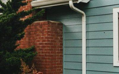 BEST WAY TO CLEAN GUTTERS | LEARN BEST PRACTICES & SAFETY TIPS