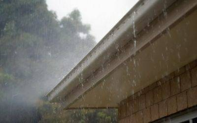HOW RAIN GUTTER GUARDS CAN PROTECT YOUR HOME