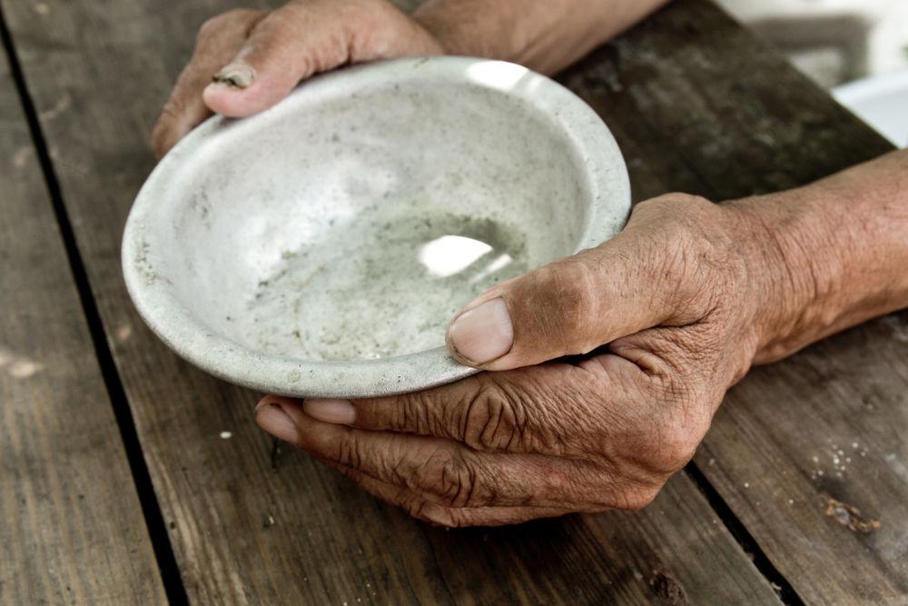 Brasil teve 9% de sua população em situação de insegurança alimentar grave em 2020. (Fonte: Shutterstock/StanislauV/Reprodução)