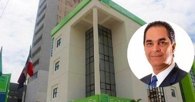 Presidente designa al doctor Santiago Hazim director del SeNaSa