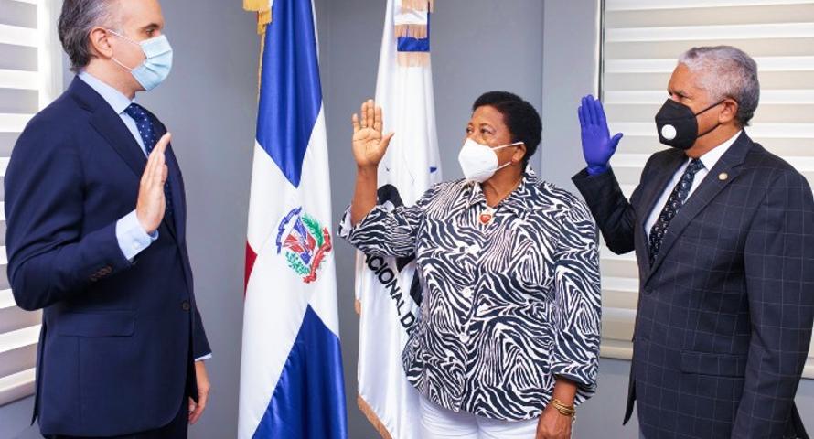 Presidente Colegio de Odontólogos formará parte del CNSS