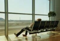 Tips Agar Tak Bosan Menunggu Pesawat di Bandara