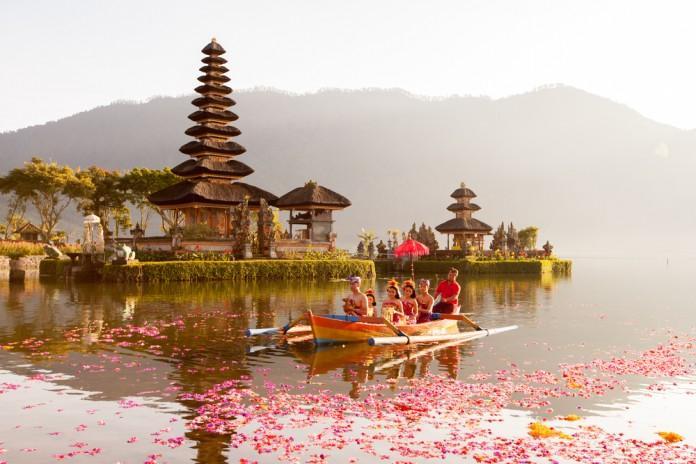 Rekomendasi Lokasi Bulan Madu Terbaik di Indonesia