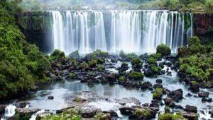 3 Air Terjun Terbaik Pilihan di Indonesia Yang Harus Anda Kunjungi