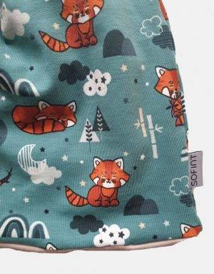 Wendemütze als Beanie oder Mütze grün mit Fuchs im Wald