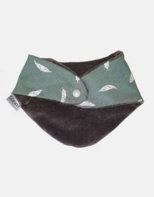 Dreieck-Tuch grün mit Feder