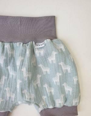 Kurze Hose aus Musselin mintgrün mit Zebra