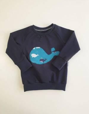 Langarm-Shirt dunkelblau mit Wal-Applikation