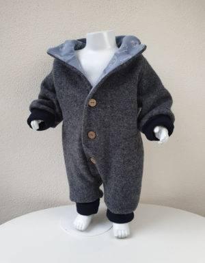 Walk-Anzug dunkelgrau, blau mit Igel